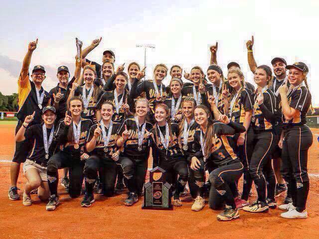Girls Softball Wins State Title