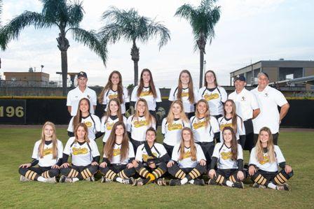 Varsity Softball Team Photo.jpg